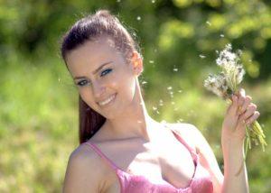 girl-1337380_1280